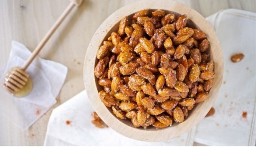 Honey roasted almonds - easy dessert ideas (2)
