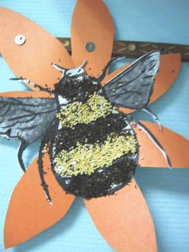 Bumble bee crafts - making a bumble bee (7)