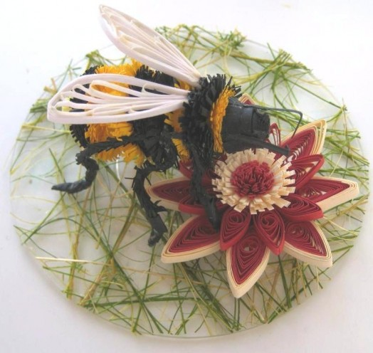 Bumble bee crafts - making a bumble bee (2)
